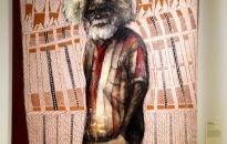 Peinture de Zhou Xiaoping et John Bulunbulun. Portrait of John Bulunbulun - 2007 - Photo Courtesy Bertrand Estrangin