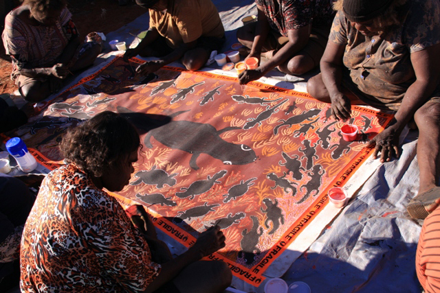 australian aboriginal art 2 essay 2 aboriginal painting: contexts of cosmology and catastrophe in one sense   in a recent collection of essays by aboriginal intellectuals called black- lines,13.