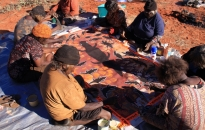 Warakurna-Women Collaborative Painting-2010-16