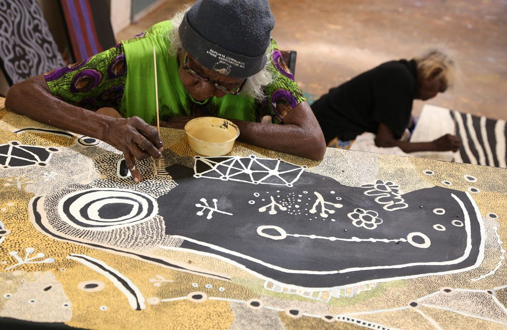 Martha MacDonald Napaltjarri at Papunya, 2015 © The Artist - Photo Helen Puckey