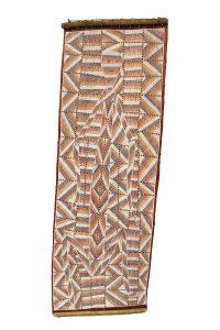 Deborah Wurrkidj - Buluwana at Dilebang, 2018 - Ochres on eucalyptus bark / Ocres sur écorce d'eucalyptus - 127 x 42 cm © The Artist and Maningrida Arts & Culture